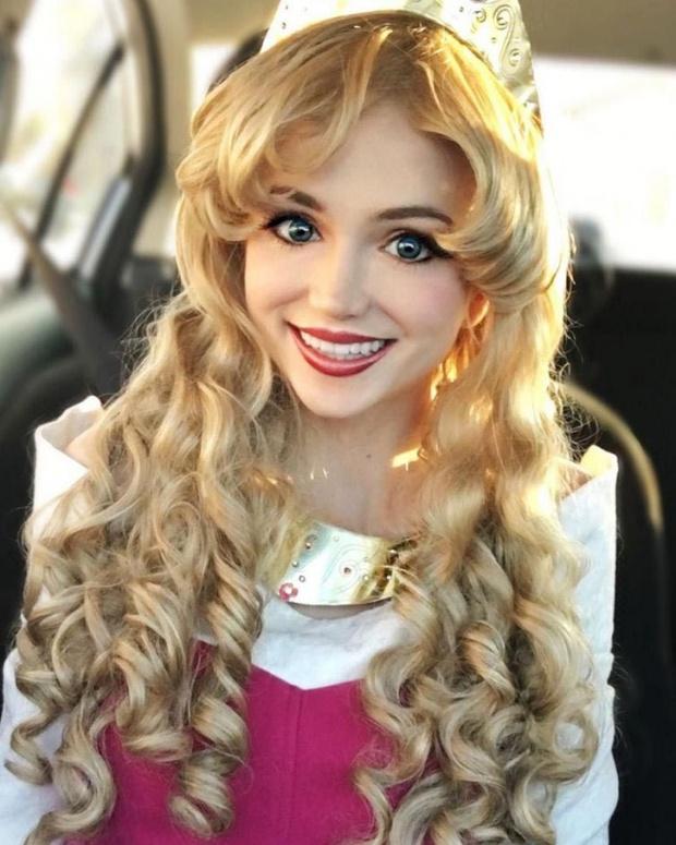 Cô gái dành 300 triệu đồng để trở thành các nàng công chúa Disney, và lý do đáng yêu phía sau - Ảnh 8.