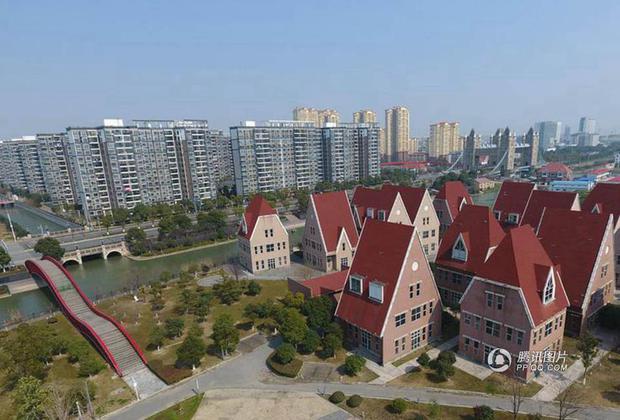 Trung Quốc: Hòn đảo ma toàn dinh thự đắt tiền giữa lòng thành phố Tô Châu - Ảnh 9.