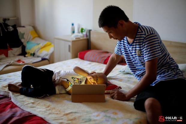 Nhật ký phiêu bạt ở Bắc Kinh của trẻ em mắc bệnh ung thư phải ở trong những căn nhà chật chội, kiếm tìm hy vọng sống - Ảnh 5.