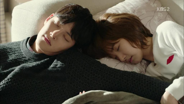 5 kiểu ngủ sai cách nhiều người mắc phải gây hại sức khỏe không ngờ - Ảnh 5.