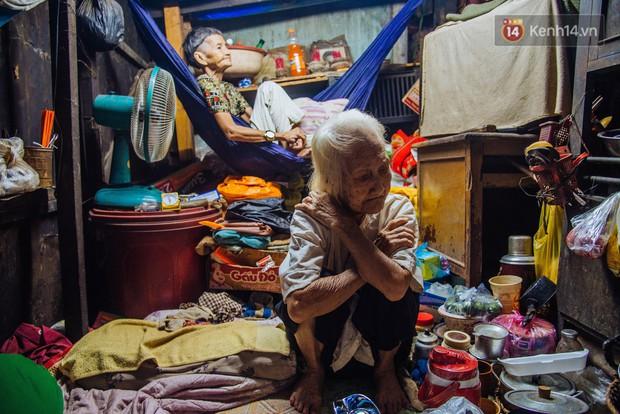 Chuyện bà cụ bán bánh sùng hơn 60 năm nuôi con gái tâm thần ở Sài Gòn: Chỉ mong một lần nghe con gọi Má ơi - Ảnh 11.