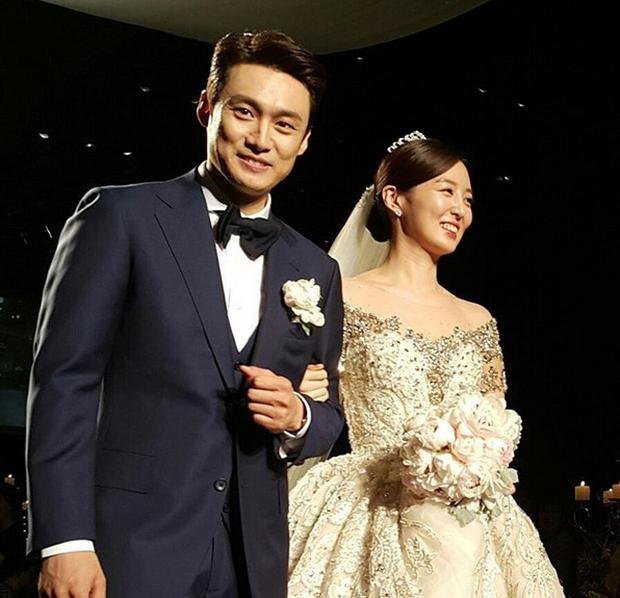 Xôn xao vì vợ diễn viên Vì sao đưa anh tới vừa quá đẹp vừa giống Lee Young Ae - Ảnh 18.