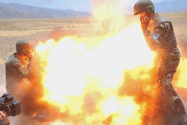 Nữ phóng viên Mỹ lưu lại khoảnh khắc hy sinh của chính mình cùng 4 người lính khác - Ảnh 2.