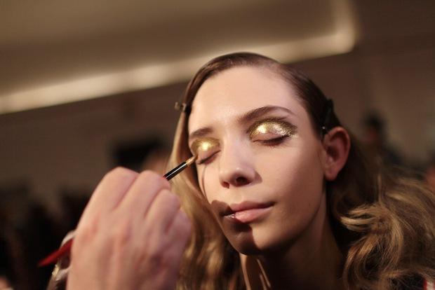 10 xu hướng makeup mùa thu tuyệt đẹp từ sàn runway con gái châu Á có thể áp dụng ngon ơ - Ảnh 19.