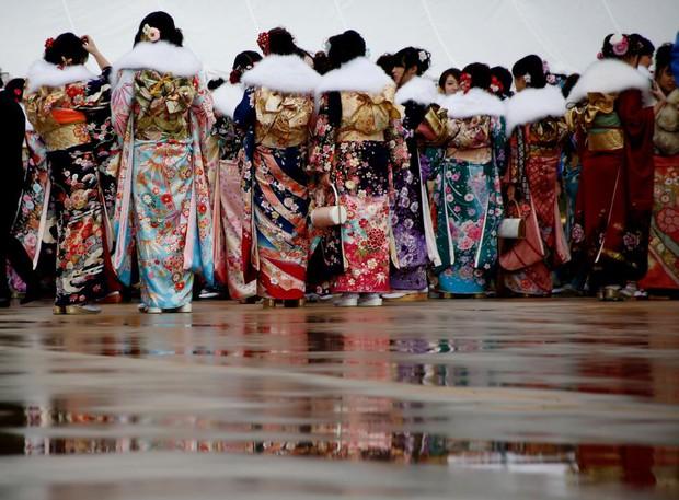 Các cô gái Nhật Bản xinh đẹp trong lễ trưởng thành - Ảnh 17.