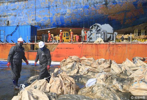 Những di vật được tìm thấy trong xác phà Sewol sau 3 năm chìm dưới đáy đại dương - Ảnh 10.