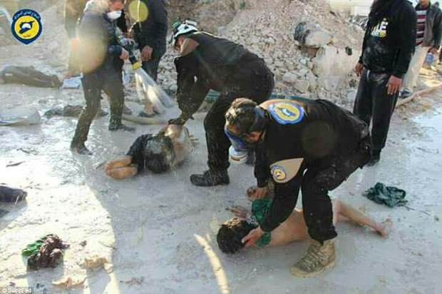 Hình ảnh đau lòng về những đứa trẻ là nạn nhân trong cuộc chiến hóa học tại Syria - Ảnh 10.