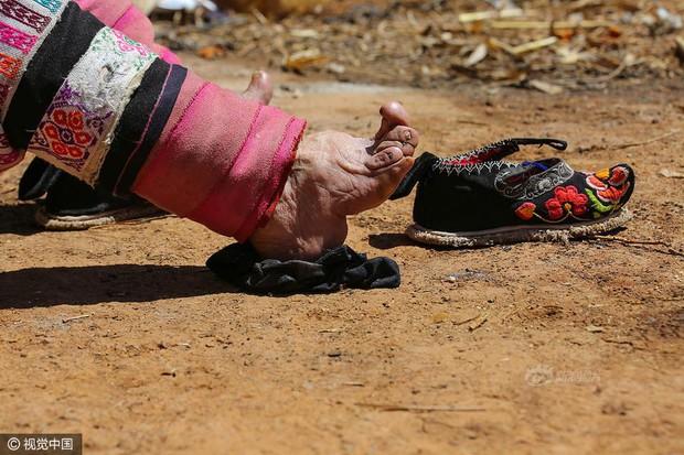 Mục sở thị những đôi chân gót sen cuối cùng của phụ nữ Trung Quốc thời hiện đại - Ảnh 10.