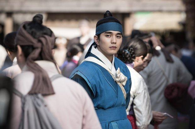 Ji Chang Wook lép vế trước Yoo Seung Ho trên màn ảnh Hàn khi vừa đụng độ? - Ảnh 9.