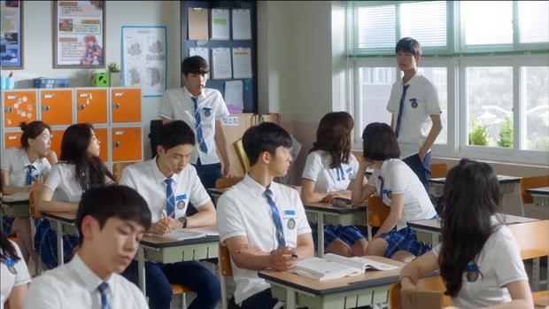 """Tập 3 """"School 2017"""": Ai đó mau cứu lấy mái tóc của Se Jeong trong """"School 2017"""" đi! - Ảnh 4."""