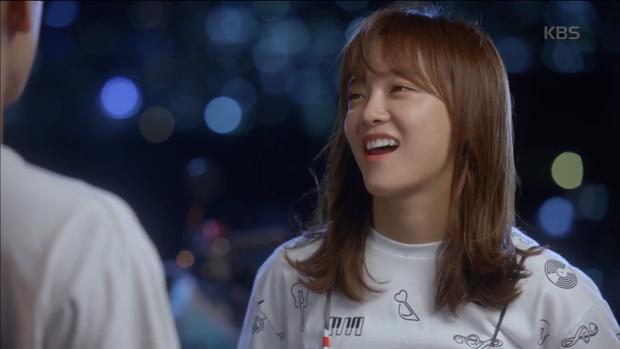 """""""School 2017"""": Liệu có phải con trai nào cũng có khuôn mặt """"dại gái"""" như thế này khi nhìn thấy gái xinh Se Jeong? - Ảnh 4."""