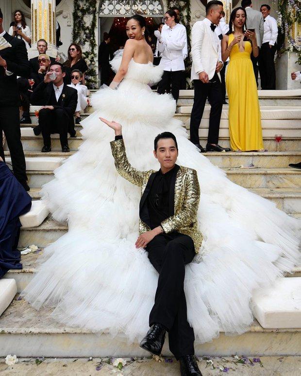 Váy cưới bồng bềnh như mây trắng của fashionista Hong Kong khiến bạn phải thốt lên: Liệu đây có phải mơ? - Ảnh 9.