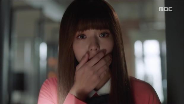 Choáng với tình đầu của Yoo Seung Ho: Vòng 1 khủng tới nỗi khiến Jo In Sung toát mồ hôi - Ảnh 11.