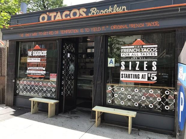 Bánh Taco to nhất hành tinh: Mới cầm thôi đã muốn ngất mà vẫn có người ăn hết 1 mình - Ảnh 1.