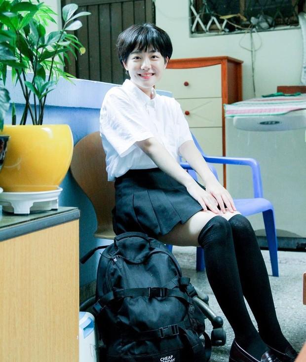 Cô bạn Hàn Quốc với nụ cười má lúm làm xiêu lòng mọi chàng trai - Ảnh 11.