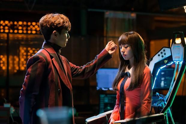 Yoo Seung Ho đã đẹp chết người, người yêu mới của anh còn xuất sắc hơn cả Kim So Hyun - Ảnh 20.