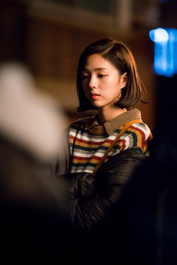 Yoo Seung Ho đã đẹp chết người, người yêu mới của anh còn xuất sắc hơn cả Kim So Hyun - Ảnh 16.