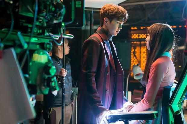 Yoo Seung Ho đã đẹp chết người, người yêu mới của anh còn xuất sắc hơn cả Kim So Hyun - Ảnh 21.