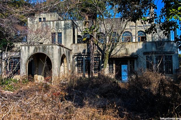 8 triệu ngôi nhà ma tại Nhật Bản: Bí mật gì ẩn chứa đằng sau con số rùng rợn này? - Ảnh 2.