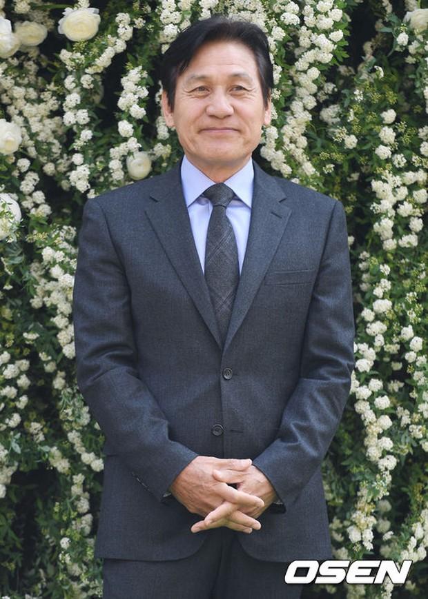 Hôn lễ đẹp nhất xứ Hàn: S.E.S tái hợp, chủ tịch SM Lee Soo Man cùng dàn sao khủng xuất hiện - Ảnh 26.