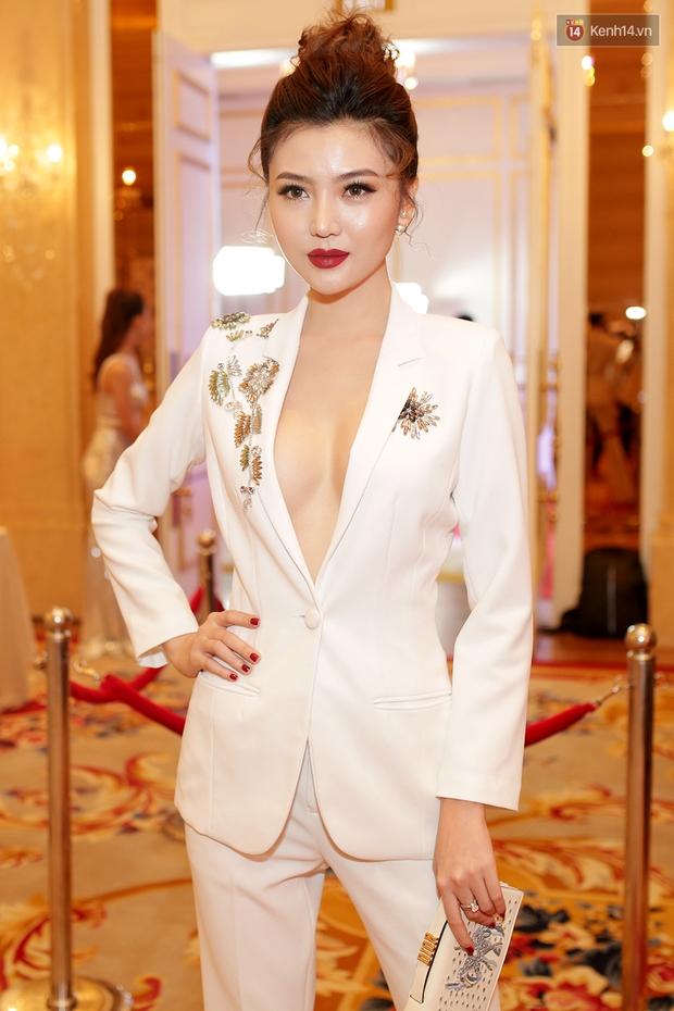 Họp báo show thực tế Hoa hậu Hoàn vũ: Phạm Hương đọ sắc với Nữ hoàng sắc đẹp Mỹ Latinh - Ảnh 9.