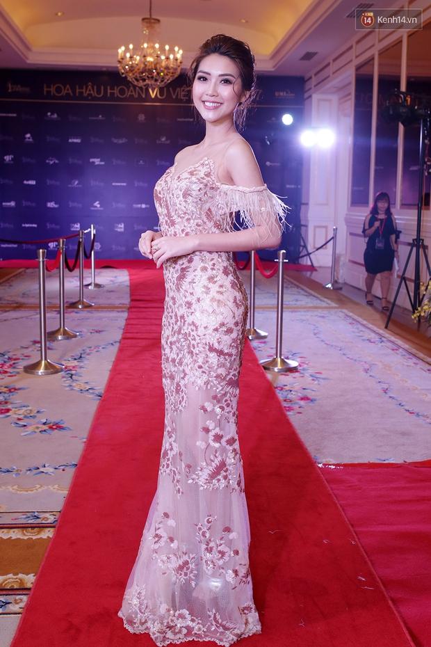 Họp báo show thực tế Hoa hậu Hoàn vũ: Phạm Hương đọ sắc với Nữ hoàng sắc đẹp Mỹ Latinh - Ảnh 14.