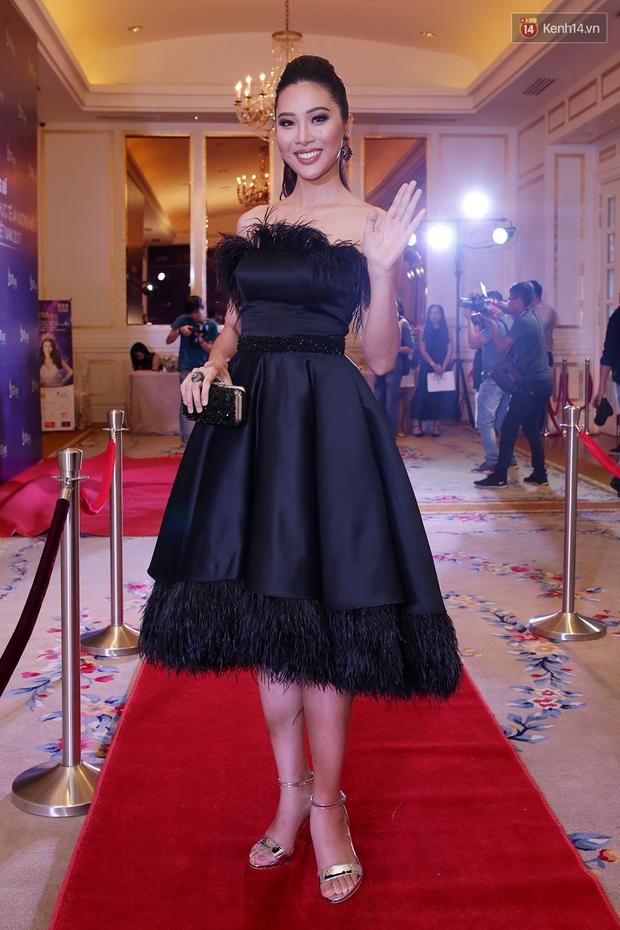 Họp báo show thực tế Hoa hậu Hoàn vũ: Phạm Hương đọ sắc với Nữ hoàng sắc đẹp Mỹ Latinh - Ảnh 15.