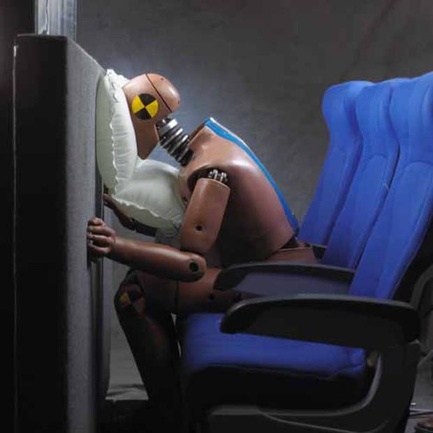 Chỉ ngồi ở vị trí này, những chiếc túi khí trên máy bay mới có thể bật ra để cứu mạng bạn - Ảnh 6.