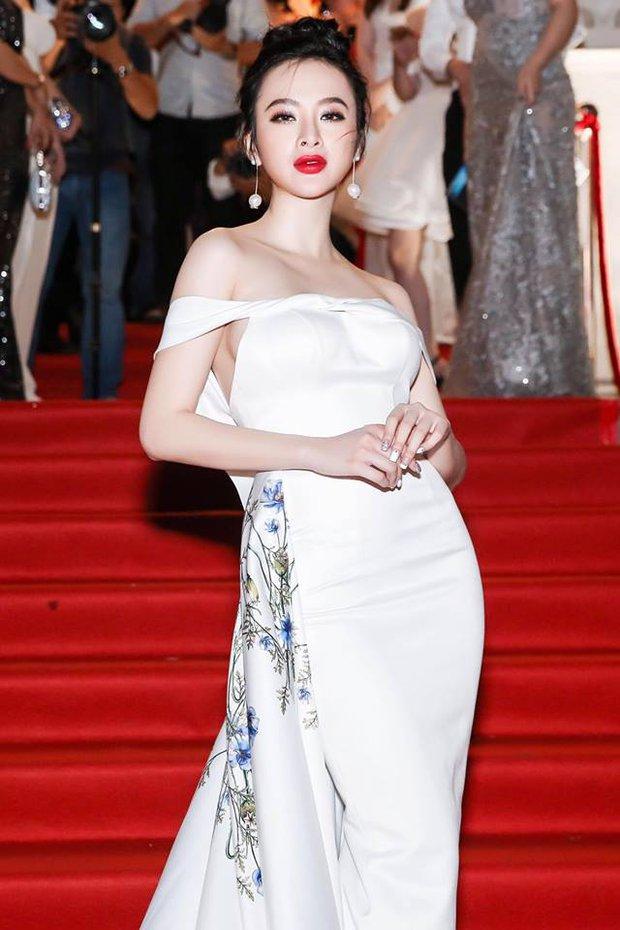 Màu sơn móng tay vô tình tố mối quan hệ ngày càng thắm thiết của Angela Phương Trinh và Võ Cảnh - Ảnh 2.