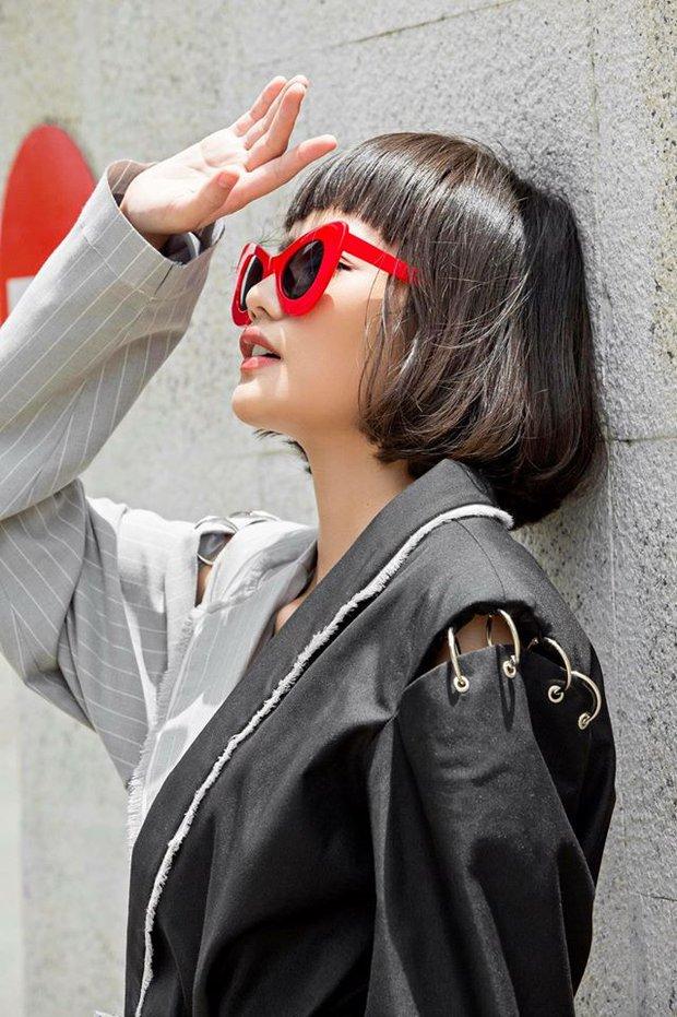 Netizen cho rằng BST của Angela Phương Trinh giống hết đồ các shop bán từ lâu - Ảnh 17.