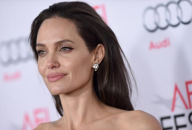 Top 16 mỹ nhân sở hữu đôi môi căng mọng gợi cảm nhất Hollywood hiện nay - Ảnh 10.