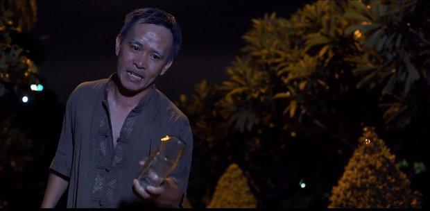 Duy Khánh bị cha ép mặc đồ con gái rồi hiếp dâm trong tập 3 Bầu trời của Khánh - Ảnh 6.