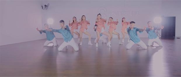 Chi Pu tung bản Dance mừng MV Cho ta gần hơn cán mốc 3 triệu lượt xem - Ảnh 3.