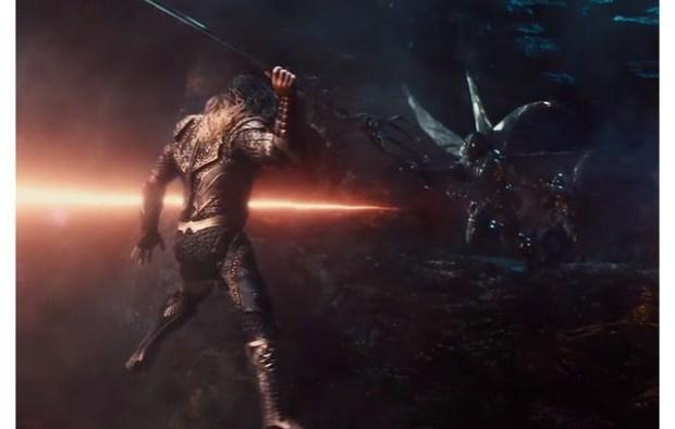 Tất tần tật những cảnh bị cắt gọt khỏi bản chiếu rạp của Justice League - Ảnh 27.
