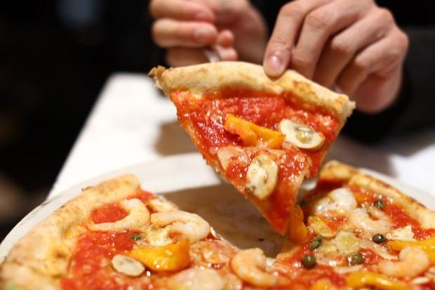 Chiếc bánh pizza được làm chỉ trong 90 giây, nghe thì khó tin nhưng lại có thật ở Nhật Bản - Ảnh 7.