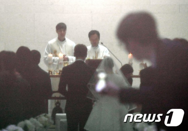 HOT: Rò rỉ hình ảnh hiếm hoi Kim Tae Hee và Bi Rain hạnh phúc thề nguyện bên trong đám cưới thế kỷ - Ảnh 5.