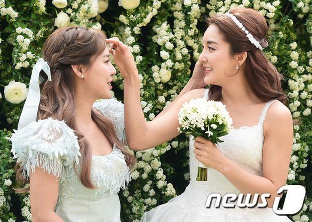 Hôn lễ đẹp nhất xứ Hàn: S.E.S tái hợp, chủ tịch SM Lee Soo Man cùng dàn sao khủng xuất hiện - Ảnh 14.