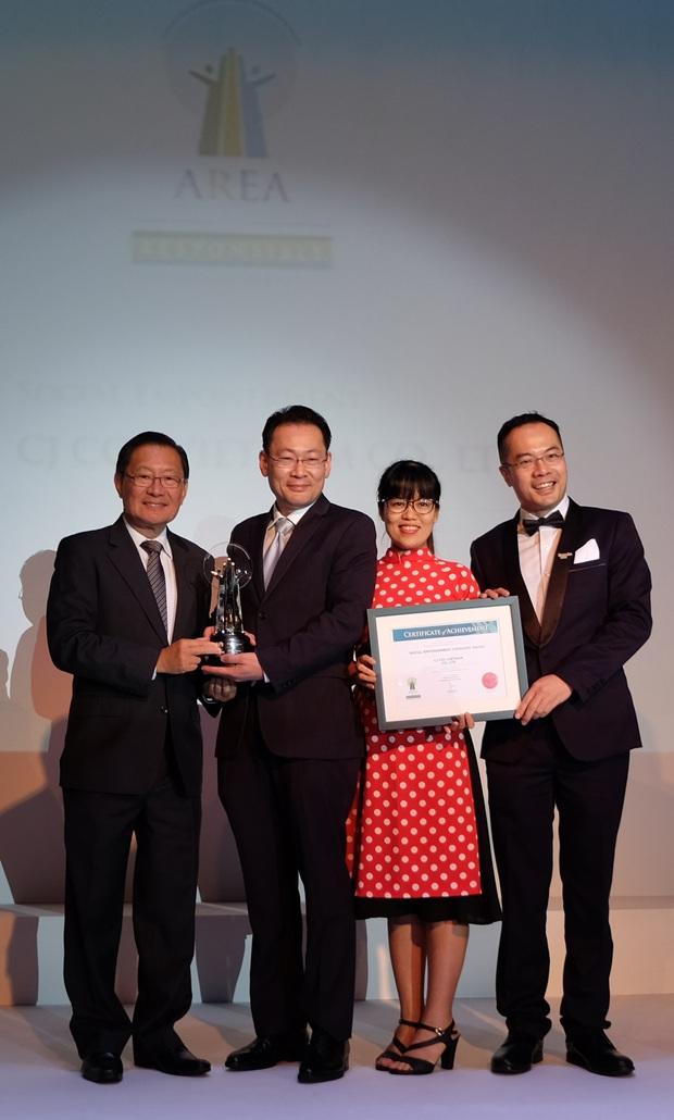 CGV nhận giải thưởng doanh nghiệp trách nhiệm châu Á 2017 - Ảnh 3.