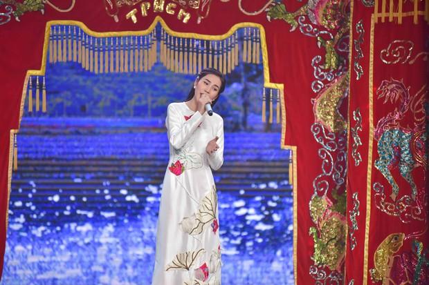 Sau album Bolero, Thủy Tiên mang cả gánh hát miền Tây lên truyền hình cho học trò nhí - Ảnh 5.