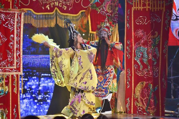 Sau album Bolero, Thủy Tiên mang cả gánh hát miền Tây lên truyền hình cho học trò nhí - Ảnh 7.