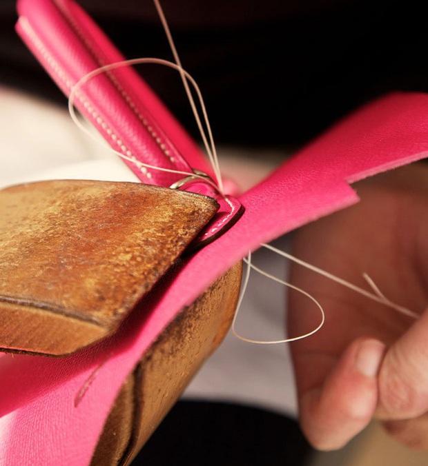 Chiếc túi Hermès Birkin tiền tỉ được làm ra kỳ công như thế nào? - Ảnh 5.