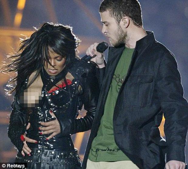 Quay lại sân khấu Super Bowl 14 năm sau sự cố làm lộ ngực Janet Jackson, phải chăng Justin Timberlake đã quá hồn nhiên? - Ảnh 1.