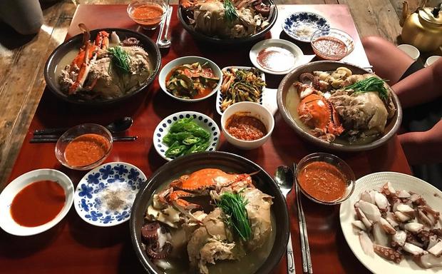 Món gà hầm sâm của Han Ji Min: liệu có mấy ai ăn hết được vì có quá nhiều topping bổ dưỡng thế này - Ảnh 6.