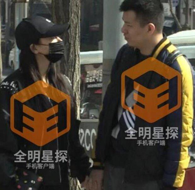 Phong Hành tung loạt ảnh Liễu Nham hẹn hò với đại gia giàu có - Ảnh 5.