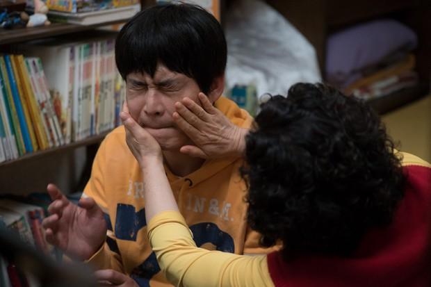 Ngày Không Còn Mẹ: Hiện tượng phim Hàn khiến khán giả Việt khóc nguyên rạp - Ảnh 2.