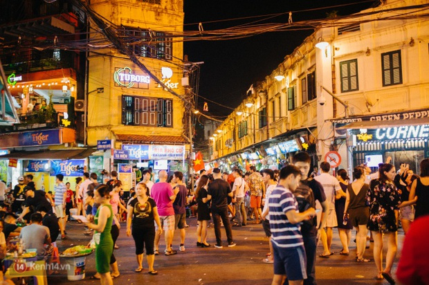 Tròn 1 năm khai trương, phố đi bộ Hồ Gươm đã trở thành một phần không thể thiếu của người Hà Nội - Ảnh 14.