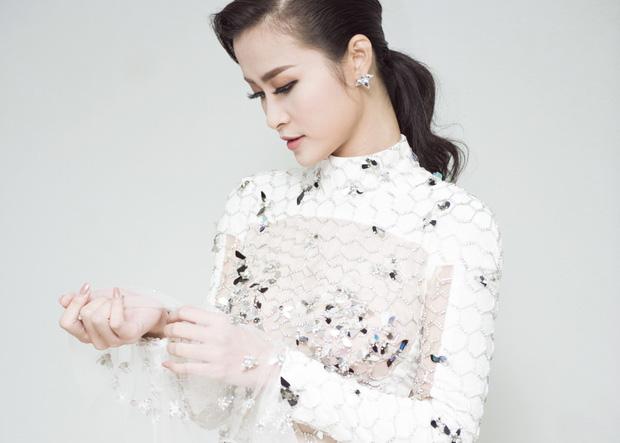 Diện váy xuyên thấu tỏa sáng, Đông Nhi được khen ngợi trên thảm đỏ Asia Song Festival 2017 - Ảnh 9.