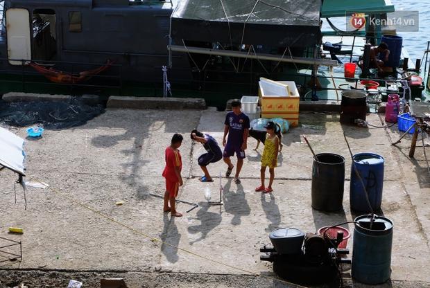 Rạp phim 300k vượt 300km ra biển, đem ciné cho tụi con nít nghèo trên đảo Hòn Chuối - Ảnh 14.