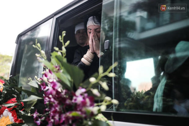 Những khoảnh khắc không thể quên trong chuyến xe cuối cùng tiễn đưa thầy Văn Như Cương về trời - Ảnh 8.