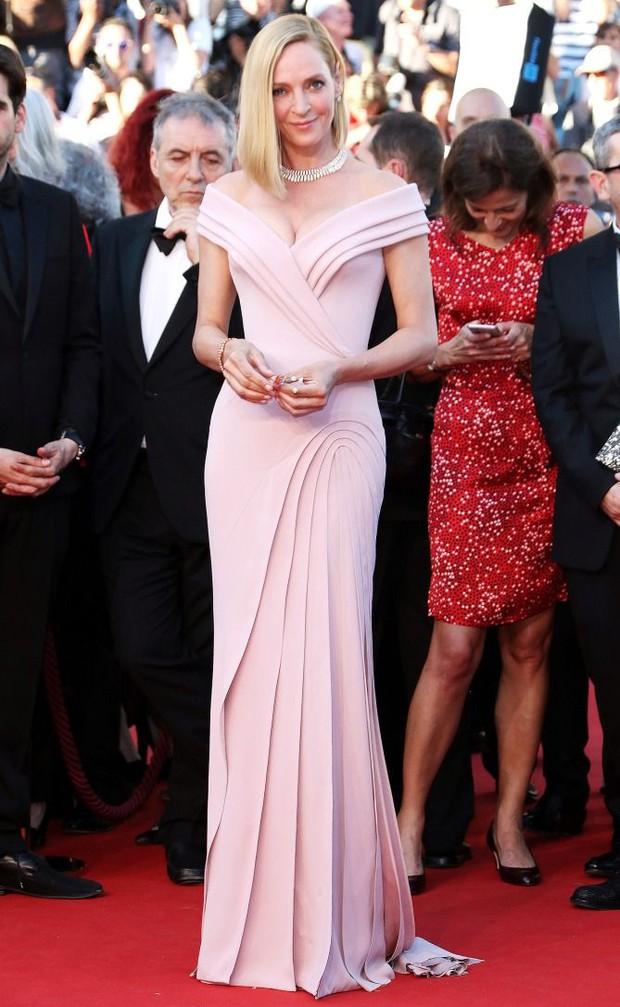 Những chiếc váy đỉnh nhất thảm đỏ Cannes 2017: Aishwarya Rai là Nữ hoàng thì Elle Fanning là Công chúa! - Ảnh 18.